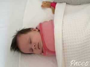 Baby pucken Erfahrung, im Pacco hat Elize schlafen lernen